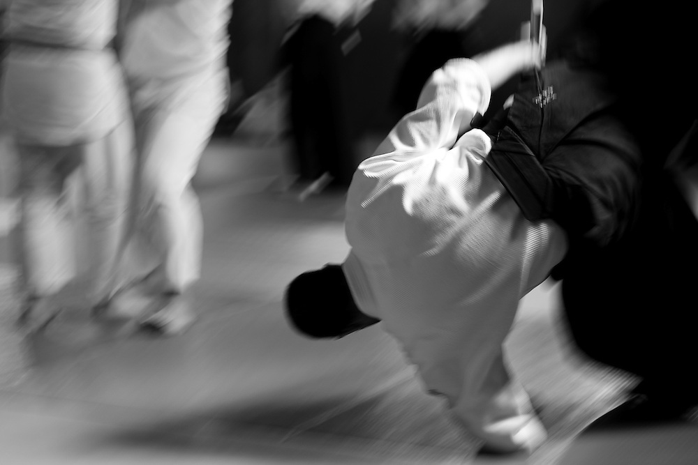 Learning to fall properly is of the utmost importance for aikido practicioners in order to prevent injuries