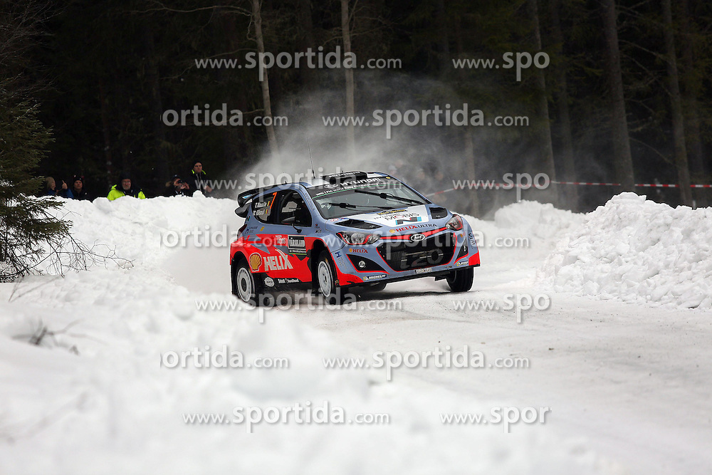 13.02.2015, Karlstad, Karlstad, SWE, FIA, WRC, Schweden Rallye, im Bild Thierry Neuville/Nicolas Gilsoul (Hyundai Motorsport/i20 WRC) // during the WRC Sweden Rallye at the Raga in Karlstad in Karlstad, Sweden on 2015/02/13. EXPA Pictures &copy; 2015, PhotoCredit: EXPA/ Eibner-Pressefoto/ Bermel<br /> <br /> *****ATTENTION - OUT of GER*****