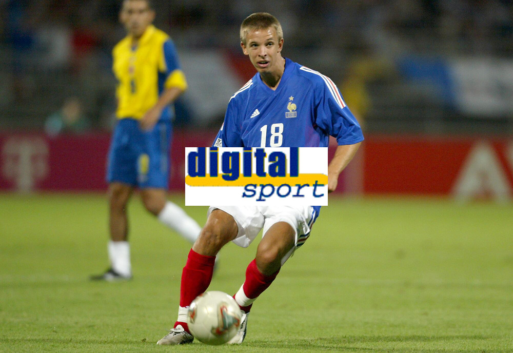 FOOTBALL - CONFEDERATIONS CUP 2003 - GROUP A - 030618 - FRANKRIKE v COLOMBIA - BENOIT PEDRETTI (FRA) - PHOTO GUY JEFFROY / DIGITALSPORT