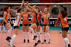 23-09-2014 ITA: World Championship Nederland - Kazachstan, Verona<br /> Nederland wint de opening wedstrijd met 3-0 / Vreugde bij Nederland met Yvon Beliën, Myrthe Schoot, Anne Buijs, Judith Pietersen, Femke Stoltenborg