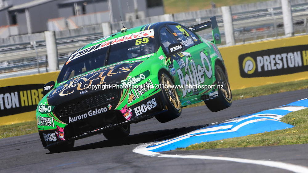 David Reynolds in action. V8 Supercars, Pukekohe, Auckland, New Zealand. Saturday, 07 November 2015. Copyright photo: John Cowpland / www.photosport.nz