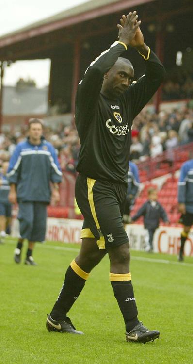 Photo: Aidan Ellis.<br /> Barnsley v Cardiff City. Coca Cola Championship. 29/09/2007.<br /> Cardiff's Jimmy Floyd Hasselbaink applauds the fans