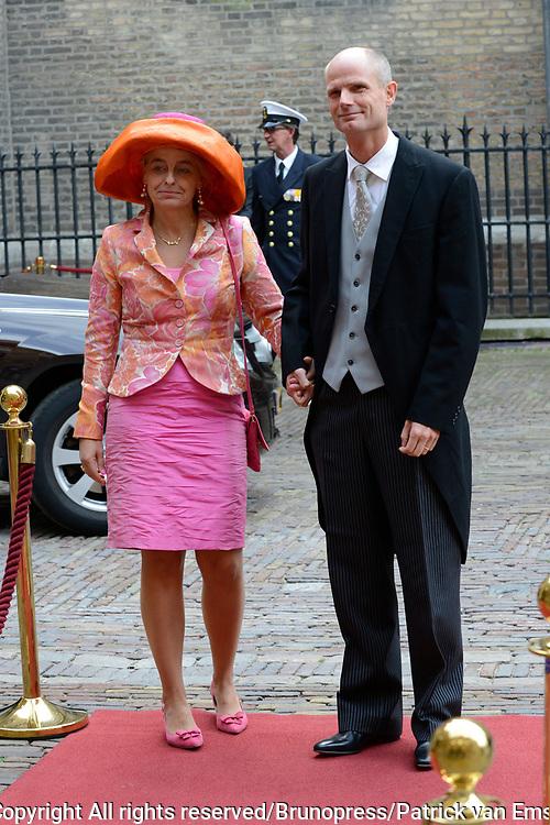 Prinsjesdag 2013 - Aankomst Parlementari&euml;rs bij de Ridderzaal op het Binnenhof.<br /> <br /> Op de foto: Stef Blok - Minister voor Wonen en Rijksdienst en partner
