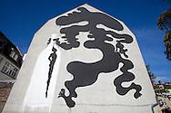 Europe, Germany, North Rhine-Westphalia, Cologne, mural by the Spanish streetart artist Sam3 at a building at the Subbelrather Street, the painting was created during the first City Leaks Festival in September 2011...Europa, Deutschland, Nordrhein-Westfalen, Koeln, Graffiti des spanischen Streetart Kuenstlers Sam3 an einem Haus in der Subbelrather Strasse, das Wandgemaelde entstand  waehrend des 1. City Leaks Festivals im September 2011. ***HINWEIS ZU DEN ABGEBILDETEN KUNSTWERKEN - RECHTE DRITTER SIND VOM NUTZER ZU KLAEREN*** ***PLEASE NOTE: THIRD PARTY RIGHTS OF THE SHOWN WORK OF ART MUST BE CHECKED BY THE USER***