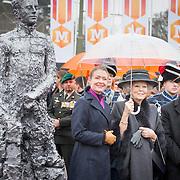 20170208 Beatrix beeldonthulling Madurodam
