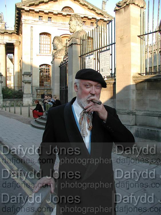 David Kirke, Oxford. 3/9/00<br />© Copyright Photograph by Dafydd Jones 66 Stockwell Park Rd. London SW9 0DA Tel 020 7733 0108 www.dafjones.com