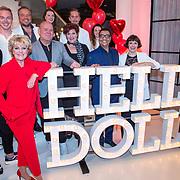 NLD/Amsterdam/20190521 - Perspresentatie musical Hello Dolly, cast met oa Freek Bartels, Simone Kleinsma, Paul de Leeuw, Marjrolein Touw, Jurgen Raymann en Nandi van Beurden