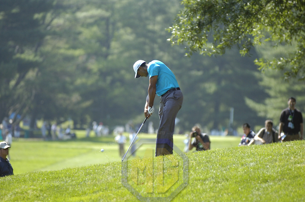 06 July 2007:  Tiger Woods chips on the 17th hole in the second round of the inaugural AT&T National PGA event at Congressional Country Club in Bethesda, Md.  ****For Editorial Use Only****
