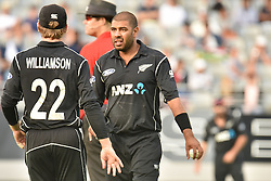 March 4, 2017 - Auckland, New Zealand - Kane Williamson (L) and Jeetan Patel (R) of New Zealand during the final match of  One Day International series between New Zealand and South Africa at Eden Park on March 4, 2017 in Auckland, New Zealan (Credit Image: © Shirley Kwok/Pacific Press via ZUMA Wire)