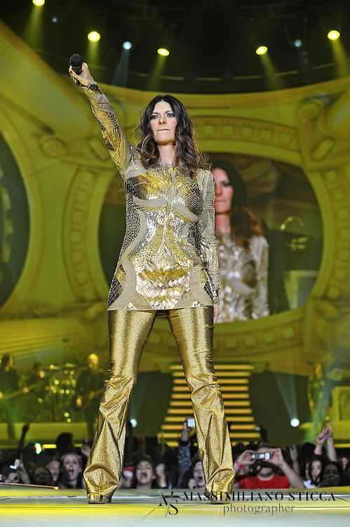 Laura Pausini live Forum D'assago, Milano - Inedito World Tour - 22/12/2011.
