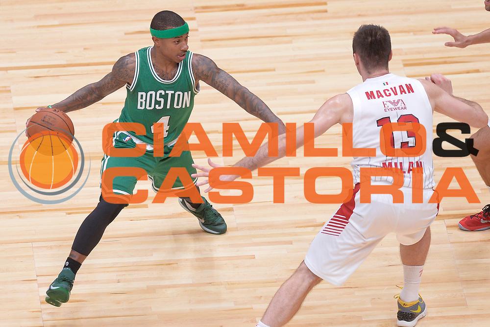 DESCRIZIONE : Milano NBA Global Games EA7 Olimpia Milano - Boston Celtics<br /> GIOCATORE : Isaiah Thomas<br /> CATEGORIA : Palleggio<br /> SQUADRA :  Boston Celtics<br /> EVENTO : NBA Global Games 2016 <br /> GARA : NBA Global Games EA7 Olimpia Milano - Boston Celtics<br /> DATA : 06/10/2015 <br /> SPORT : Pallacanestro <br /> AUTORE : Agenzia Ciamillo-Castoria/IvanMancini<br /> Galleria : NBA Global Games 2016 Fotonotizia : NBA Global Games EA7 Olimpia Milano - Boston Celtics