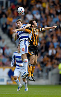 Fotball<br /> Foto: SBI/Digitalsport<br /> NORWAY ONLY<br /> <br /> Hull City v Queens Park Rangers<br /> Coca Cola Championship.<br /> 06/08/2005.<br /> <br /> QPR captain Kevin Gallen (L) jumps with opposite counterpart, Hull's Ian Ashbee