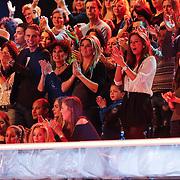 NLD/Hilversum/20130105 - 2de Liveshow Sterren Dansen op het IJs 2013, zwangere Melisa Schaufeli