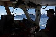 &ndash;Jag har det finaste kontoret i hela v&auml;rlden, s&auml;ger 51-&aring;rige Nik Ranta eller &rdquo;Captain Nik&rdquo; som alla kallar honom medan han styr sin b&aring;t Crackerjack och njuter av panoramavyn &ouml;ver havet. <br /> <br /> Photographer: Christina Sjogren<br /> <br /> Copyright 2018, All Rights Reserved
