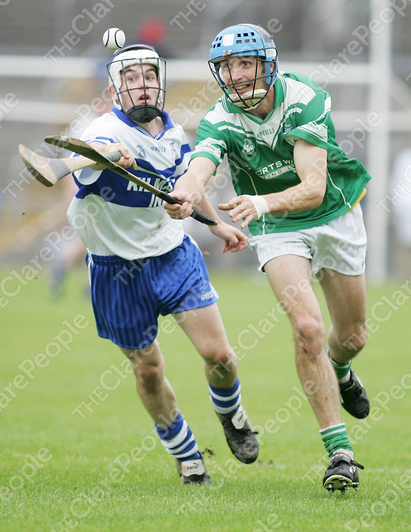 Kilmaley's Sean Talty and Scariff's Darragh Kelly in action in thier meeting in Cusack Park on Sunday. Pic. Brian Arthur/ Press 22.