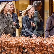 NLD/Laren/20151220 - Romee Strijd met vriendin en haar schoonzus Carlijn van Leeuwen,                                                                Victoria Secret model Romee Strijd in her home country the Netherlands for the holidays with a friend en her sister in law Carlijn van Leeuwen