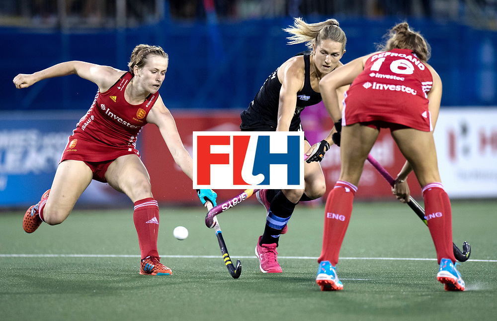 AUCKLAND - Sentinel Hockey World League final women<br /> Match id: 10310<br /> 20 ENG v NZL (Semi Final) 0-1<br /> New Zealand play the final<br /> Foto: Elena Rayer defending Samantha Charlton (C) <br /> WORLDSPORTPICS COPYRIGHT FRANK UIJLENBROEK