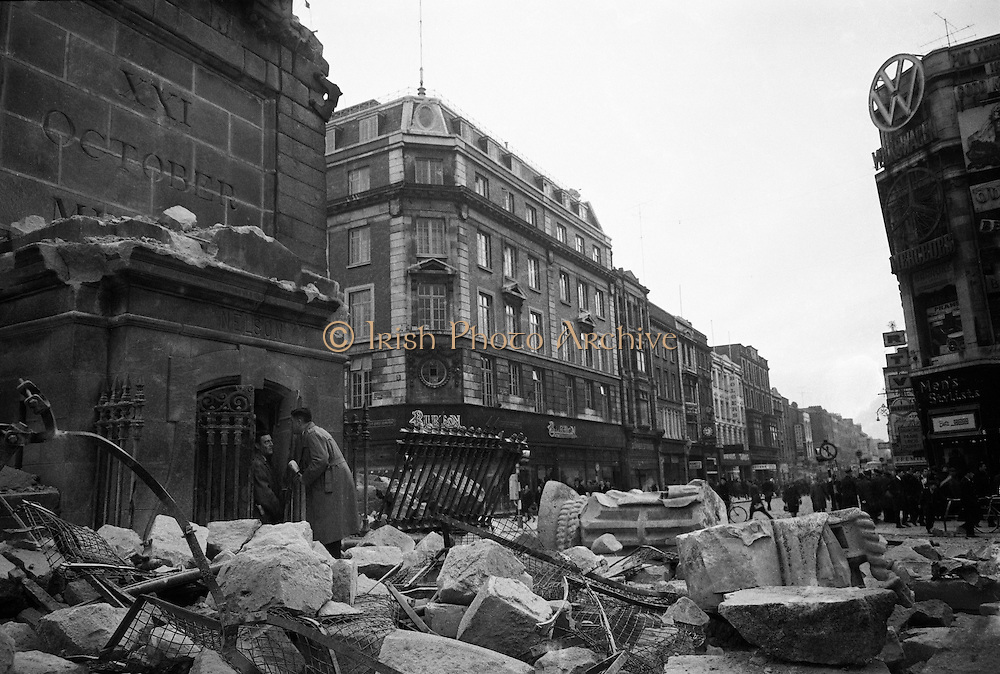 The top of Nelson's Pillar in O'Connell Street was destroyed by a bomb in the early hours of the morning. The bomb was allegedly planted by group of former Irish Republican Army volunteers..08.03.1966