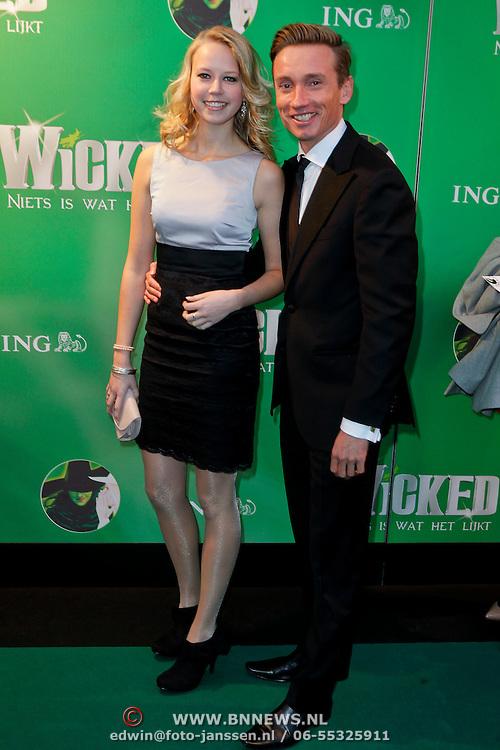 NLD/Scheveningen/20111106 - Premiere musical Wicked, Koos van Pleteringen en schoonzusje
