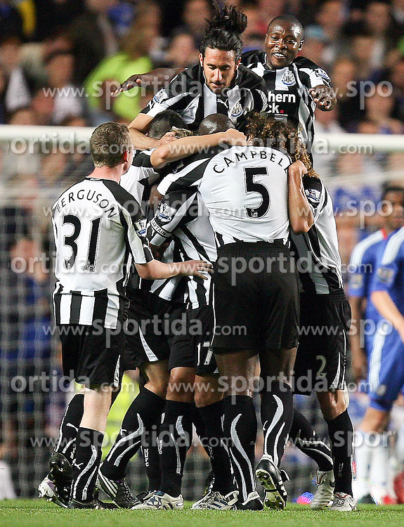 22.09.2010, Stamford Bridge, London, ENG, Carling Cup, Chelsea FC vs Newwcastle United im Bild Newcastle's celebration, EXPA Pictures © 2010, PhotoCredit: EXPA/ IPS/ M. Atkins *** ATTENTION *** UK AND FRANCE OUT! / SPORTIDA PHOTO AGENCY