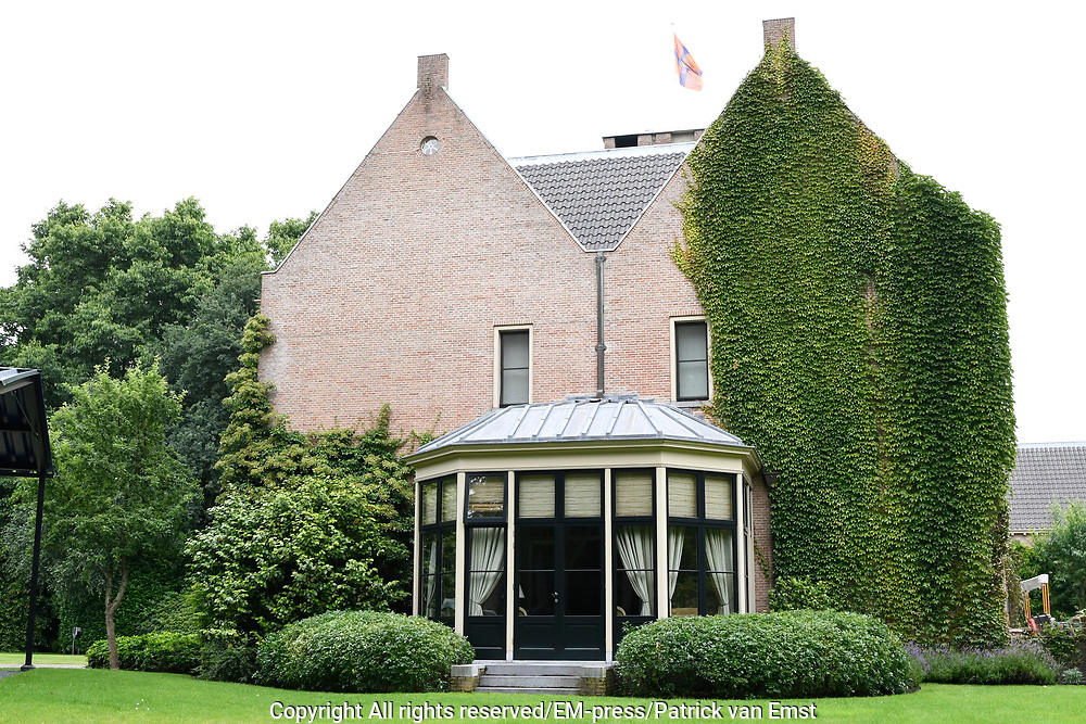 Koninklijke fotosessie 2016 op landgoed De Horsten ( het huis van de koninklijke familie)  in Wassenaar.<br /> <br /> Royal photoshoot 2016 at De Horsten estate (the home of the royal family) in Wassenaar.<br /> <br /> Op de foto / On the photo: Landgoed De Horsten / Estate De Horsten