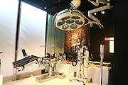 Mannheim. 31.10.14 Technoseum. Sonderausstellung Herzblut. Herzblut<br /> Geschichte und Zukunft der Medizintechnik<br /> Herzblut&ldquo; zeichnet die Entwicklung der Medizintechnik vom 19. Jahrhundert bis heute nach: Unter den &uuml;ber 700 Exponaten der Ausstellung gibt es unter anderem historische Stethoskope, ein Amputationsbesteck aus den 1840er Jahren, moderne Handprothesen sowie diverse bekannte aber auch kuriose Instrumente zu sehen.<br /> <br /> Bild: Markus Pro&szlig;witz 31OCT14 / masterpress (Bild ist honorarpflichtig)