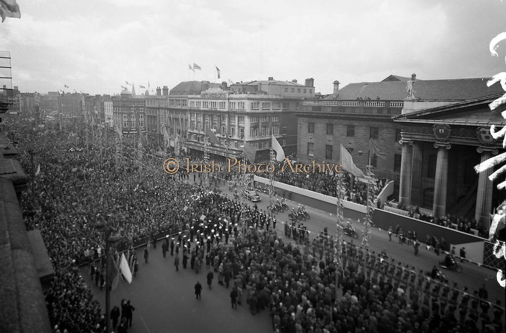 The largest Irish Festival is St Patricks Day Festival. This legendary Event is the reason that hundrets of thousands of tourists come to ireland. Irish Photo Archive has taken the best Photos from St Patricks Day Festivals in the past.
