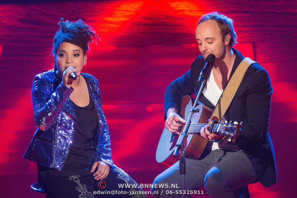 NLD/Hilversum/20131220 - Finale The Voice of Holland 2013, Julia van der Toorn en Niels Geusenbroek