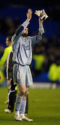 LIVERPOOL, ENGLAND - Thursday, April 17, 2008: Chelsea's goalkeeper Petr Cech in action against Everton during the Premiership match at Goodison Park. (Photo by David Rawcliffe/Propaganda)