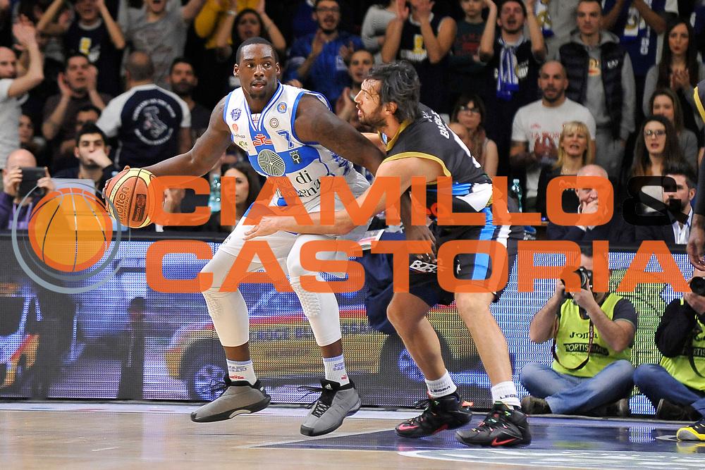 DESCRIZIONE : Campionato 2014/15 Serie A Beko Dinamo Banco di Sardegna Sassari - Upea Capo D'Orlando <br /> GIOCATORE : Rakim Sanders<br /> CATEGORIA : Palleggio Controcampo<br /> SQUADRA : Dinamo Banco di Sardegna Sassari<br /> EVENTO : LegaBasket Serie A Beko 2014/2015 <br /> GARA : Dinamo Banco di Sardegna Sassari - Upea Capo D'Orlando <br /> DATA : 22/03/2015 <br /> SPORT : Pallacanestro <br /> AUTORE : Agenzia Ciamillo-Castoria/C.Atzori <br /> Galleria : LegaBasket Serie A Beko 2014/2015