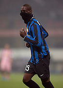 Balotelli celebrates scoring for Inter Milan. <br /> <br /> ** NO AGENTS **