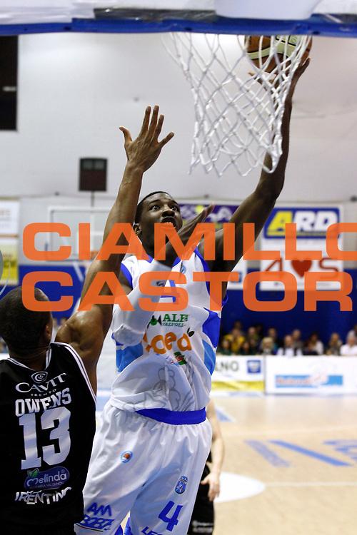 DESCRIZIONE : Capo dOrlando Lega A 2014-15 Orlandina Basket Dolomiti Energia Trento<br /> GIOCATORE : DARIO HUNT<br /> CATEGORIA : TIRO GANCIO<br /> SQUADRA : Orlandina Basket Dolomiti Energia Trento<br /> EVENTO : Campionato Lega A 2014-2015 <br /> GARA : Orlandina Basket Dolomiti Energia Trento<br /> DATA : 03/05/2015<br /> SPORT : Pallacanestro <br /> AUTORE : Agenzia Ciamillo-Castoria/G.Pappalardo<br /> Galleria : Lega Basket A 2014-2015<br /> Fotonotizia : Capo dOrlando Lega A 2014-15 Orlandina Basket Dolomiti Energia Trento