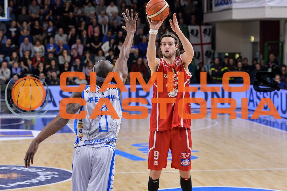 DESCRIZIONE : Sassari LegaBasket Serie A 2015-2016 Dinamo Banco di Sardegna Sassari - Giorgio Tesi Group Pistoia<br /> GIOCATORE : Michele Antonutti<br /> CATEGORIA : Tiro Tre Punti Three Point Ritardo<br /> SQUADRA : Giorgio Tesi Group Pistoia<br /> EVENTO : LegaBasket Serie A 2015-2016<br /> GARA : Dinamo Banco di Sardegna Sassari - Giorgio Tesi Group Pistoia<br /> DATA : 27/12/2015<br /> SPORT : Pallacanestro<br /> AUTORE : Agenzia Ciamillo-Castoria/L.Canu
