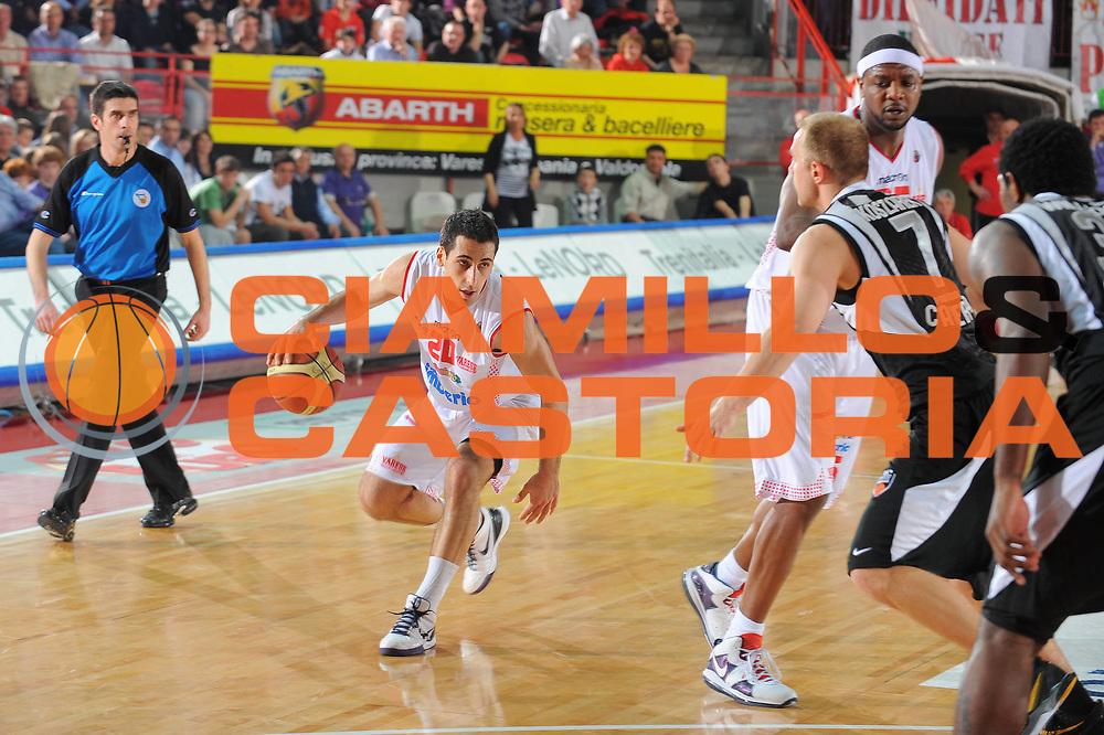 DESCRIZIONE : Varese Lega A 2010-11 Cimberio Varese Pepsi Caserta<br /> GIOCATORE : Rok Stipcevic<br /> SQUADRA : Cimberio Varese<br /> EVENTO : Campionato Lega A 2010-2011<br /> GARA : Cimberio Varese Pepsi Caserta<br /> DATA : 03/04/2011<br /> CATEGORIA : Palleggio<br /> SPORT : Pallacanestro<br /> AUTORE : Agenzia Ciamillo-Castoria/A.Dealberto<br /> Galleria : Lega Basket A 2010-2011<br /> Fotonotizia : Varese Lega A 2010-11 Cimberio Varese Pepsi Caserta<br /> Predefinita :