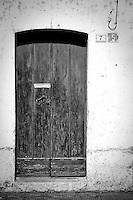 Vecchia porta in legno