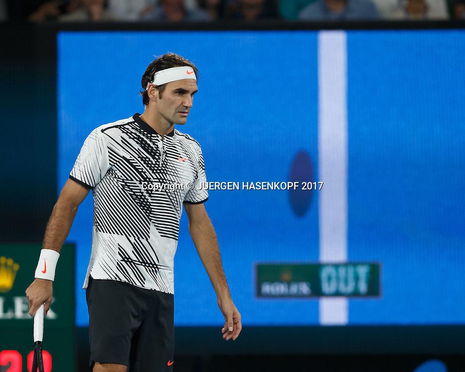 ROGER FEDERER (SUI) vor der Hawkeye Leinwand,Monitor,Ball im Aus<br /> <br /> Australian Open 2017 -  Melbourne  Park - Melbourne - Victoria - Australia  - 26/01/2017.