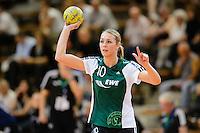 Lois Abbingh (VFL) am Ball