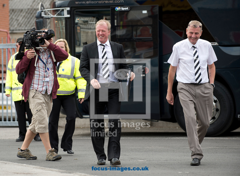 Derby County manager Steve McClaren arrives at the ground before the Sky Bet Championship match at the City Ground, Nottingham<br /> Picture by Russell Hart/Focus Images Ltd 07791 688 420<br /> 14/09/2014