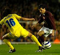 Photo: Alan Crowhurst.<br />Arsenal v Villarreal. UEFA Champions League. Semi-Final, 1st Leg. 19/04/2006. Cesc Fabregas (R) attacks for Arsenal.