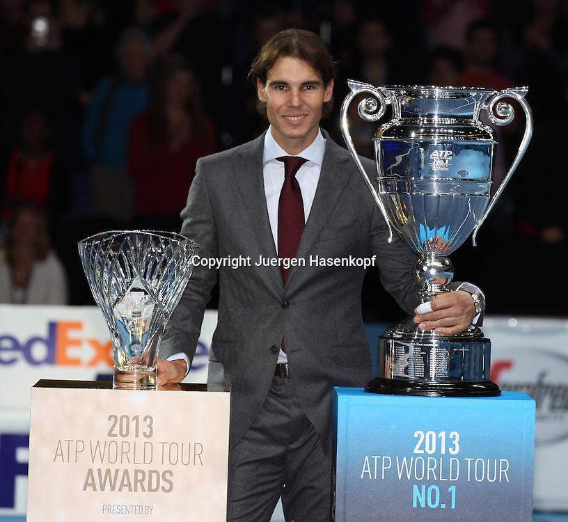 ATP World Tour Finals  2013 in der O2 Arena in London, HerrenTennis Turnier, WM, Weltmeisterschaft, Rafael Nadal (ESP) mit zwei Auszeichnungen bei der Vergabe der ATP World Tour Awards.