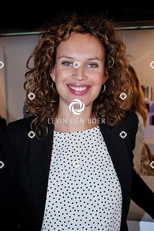 AMSTERDAM - Bij de Amsterdam City Spa hield de Class Company weer een Mom's Moment. Diversen bekenden en onbekende moeders worden weer een hele dag verzorgt en vertroeteld.  Met op de foto Kim Pieters. FOTO LEVIN DEN BOER - PERSFOTO.NU
