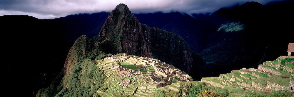 PERU, PREHISPANIC, INCA Machu Picchu and Huayna Picchu peak