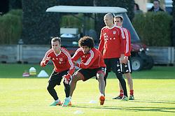 26.02.2014, Saebener Strasse, Muenchen, GER, 1. FBL, FC Bayern Muenchen, Training, im Bild vl: Mario Goetze (FC Bayern Muenchen), Dante (FC Bayern Muenchen), Arjen Robben (FC Bayern Muenchen), Philipp Lahm (FC Bayern Muenchen) bei einer Trainingseinheit // during a practice session of German Bundesliga Club FC Bayern Munich at the Saebener Strasse in Muenchen, Germany on 2014/02/26. EXPA Pictures © 2014, PhotoCredit: EXPA/ Eibner-Pressefoto/ Stuetzle<br /> <br /> *****ATTENTION - OUT of GER*****