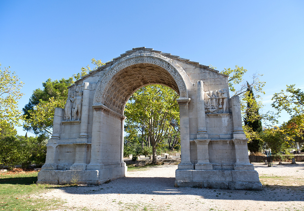 Dating from the first century BC, this triumphal Roman arch, which marked the entrance to the Roman market town of Glanum, is the oldest in France.