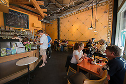 United States, Washington, Bellevue, cafe on Main Street in Old Bellevue