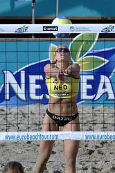 26-08-2006: VOLLEYBAL: NESTEA EUROPEAN CHAMPIONSHIP BEACHVOLLEYBALL: SCHEVENINGEN<br /> Marrit Leenstra<br /> ©2006-WWW.FOTOHOOGENDOORN.NL
