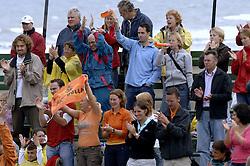 25-08-2006: VOLLEYBAL: NESTEA EUROPEAN CHAMPIONSHIP BEACHVOLLEYBALL: SCHEVENINGEN<br /> Publiek, support<br /> &copy;2006-WWW.FOTOHOOGENDOORN.NL