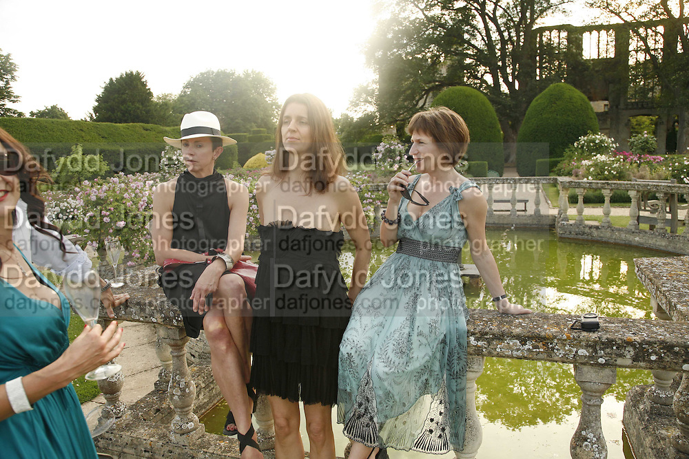 Victoria Fernandez, Karla Otto and Fiona Simon, Reconstruction ­ 1. Sudeley. 1 July 2006. ONE TIME USE ONLY - DO NOT ARCHIVE  © Copyright Photograph by Dafydd Jones 66 Stockwell Park Rd. London SW9 0DA Tel 020 7733 0108 www.dafjones.com