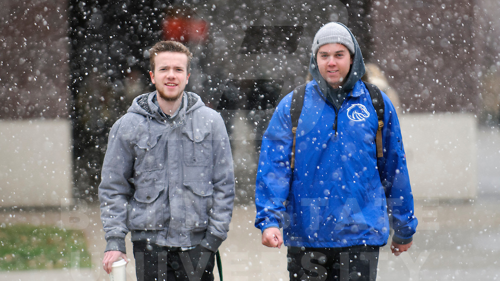 Winter, Snow, Student Life, Campus Scene, Wankun Sirichotiyakul Photo