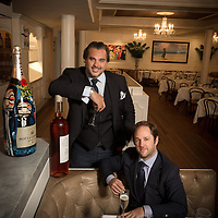 Portraits of top chefs, renowned restaurants, tastes and nightlife in New York City